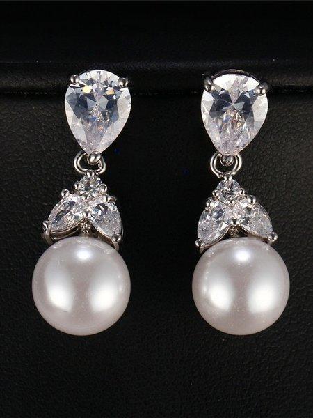 Висящи обеци с камък и перли в златист и сребрист цвят